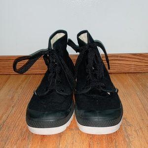 Palladium High Top Tennis Shoes